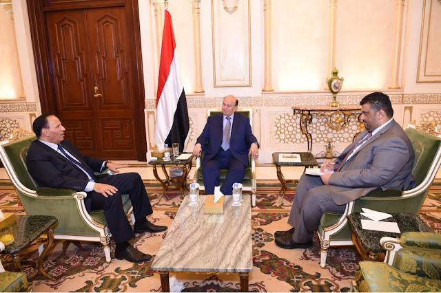 عاجل هادي يقبل استقالة عبد العزيز جباري ويعينه في منصب جديد صورة