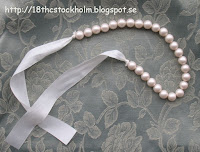 how to thread a 17th/18th style faux pearl necklace