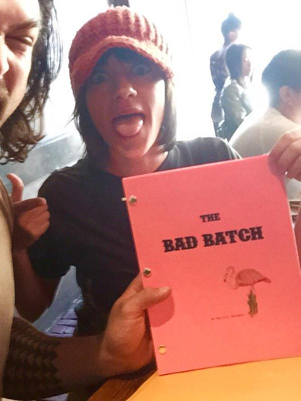 Sinopsis, Cerita & Review Film The Bad Batch (2017)