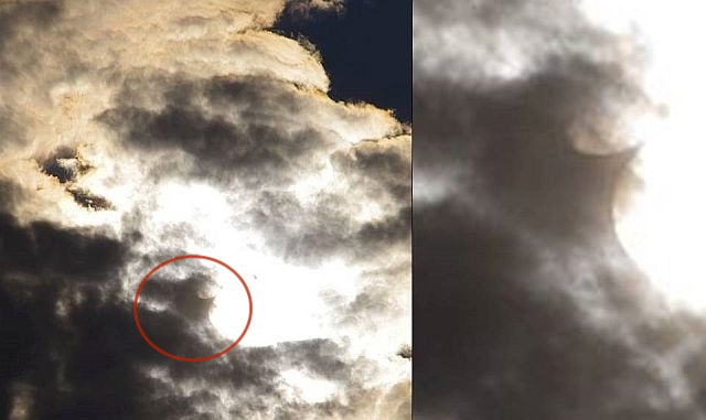 UFO News ~  Weird Manta-Ray-shaped object over Cheswick, PA plus MORE Ufo%2Bflying%2Bmanta%2Bray%2Bshaped%2Bcreature%2B%25281%2529