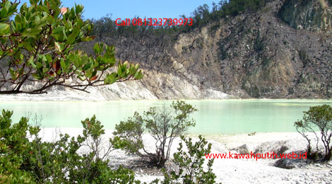Paket wisata kawah putih dari subang