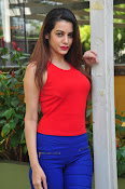diksha panth latest sizzling pics-thumbnail-10