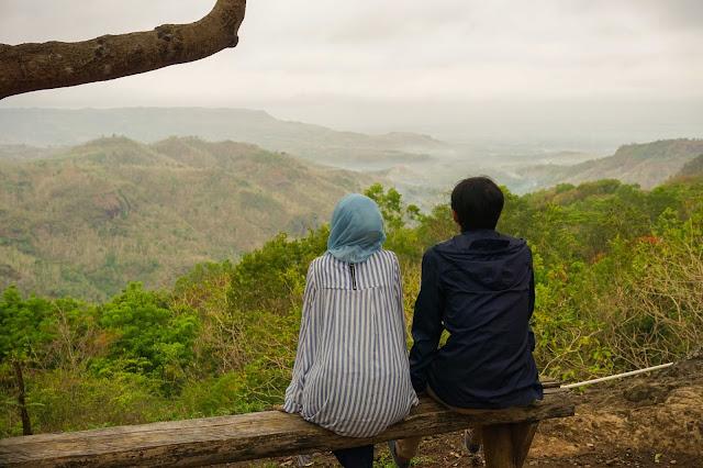 Menikmati pagi di Kebun Buah Mangunan. Source: jurnaland.com