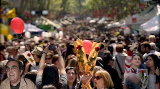 Ramón de España intenta huir de las Ramblas el día de Sant Jordi