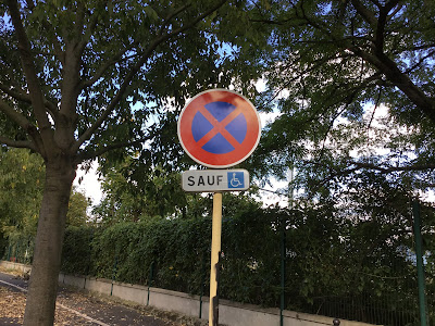 Sauf-Straßenschild