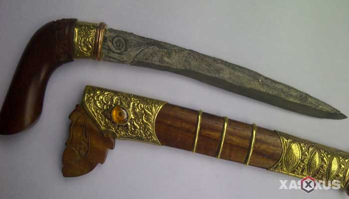 Senjata tradisional Indonesia - Senjata tradisional Sulawesi Barat (Badik)