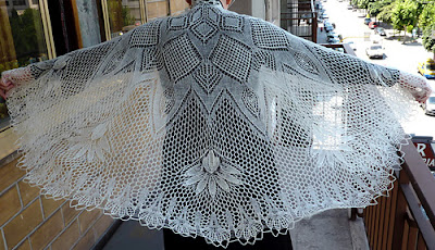 hand knit lace wedding veil or shawl pattern