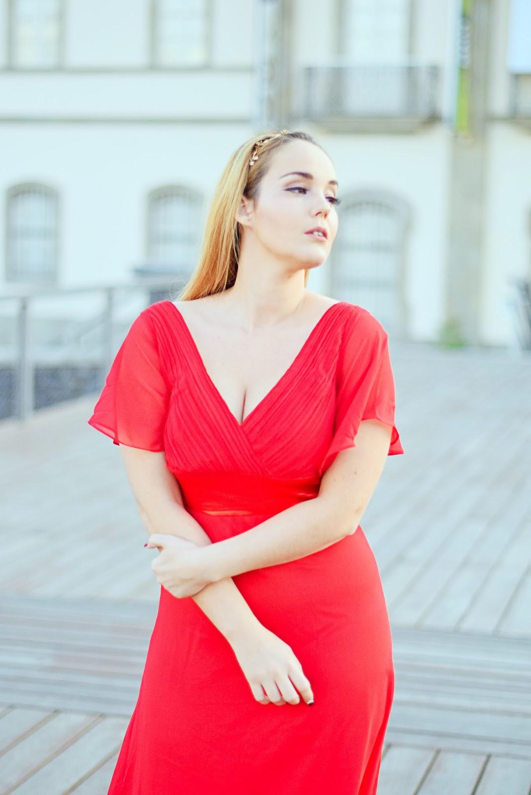nery hdez, vestido largo, look para san valentin, look de fiesta, vestido largo rojo