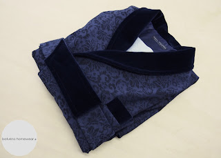 Luxus Morgenmantel Dunkelblau Navy Blau Exklusiv Baumwolle warm gefüttert lang Herren XL XXL 3XL Samt Schalkragen englischer Stil.