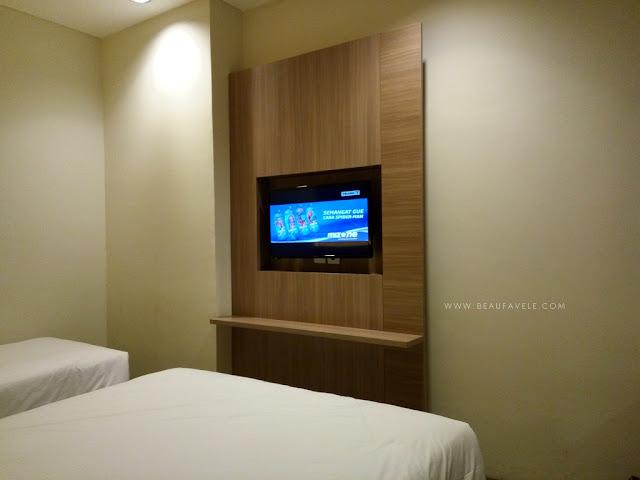 Interior dalam kamar KYTOS Hotel