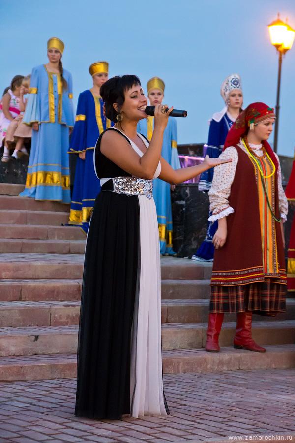 Выступление артистов Саранска на открытии фонтана Навеки с Россией