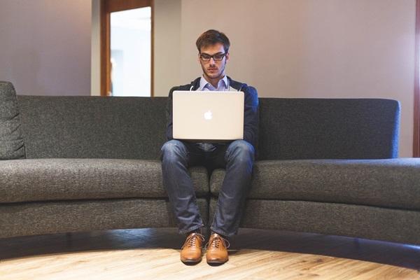 Dia do Trabalho: saiba como cuidar da saúde ocular no trabalho