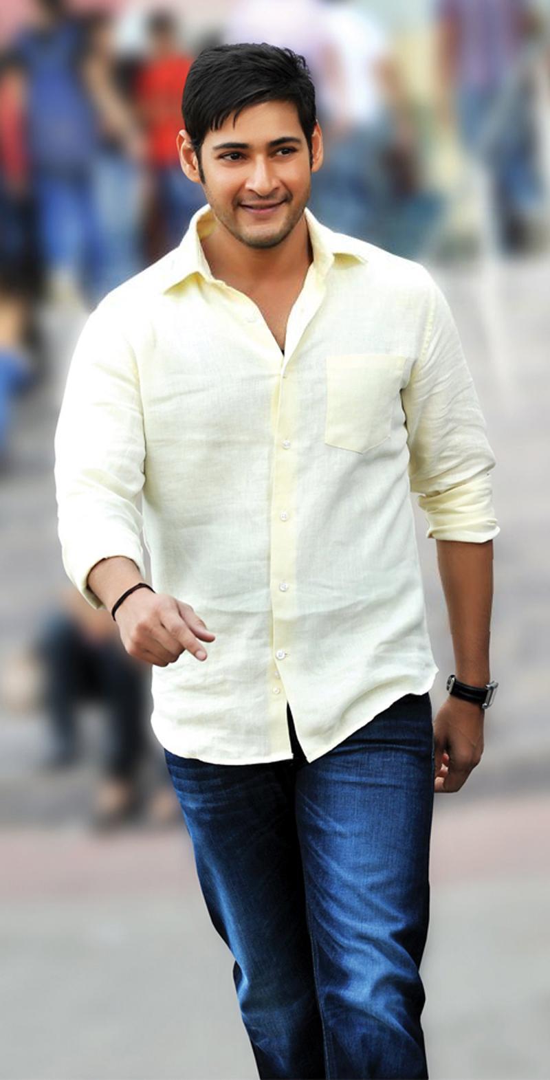 Mahesh Six Pack Body in SVSC Interval Scene - Andhra Gossips  Mahesh Six Pack...