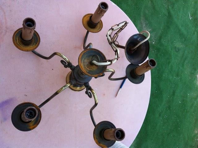 Antes y despu s l mpara de bronce ministry of deco - Pintar lamparas de techo ...