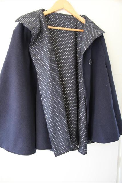 Trendy Cape Top Fashion Looks With Jeans Idea: Les Petits Secrets Couture: Crash Test