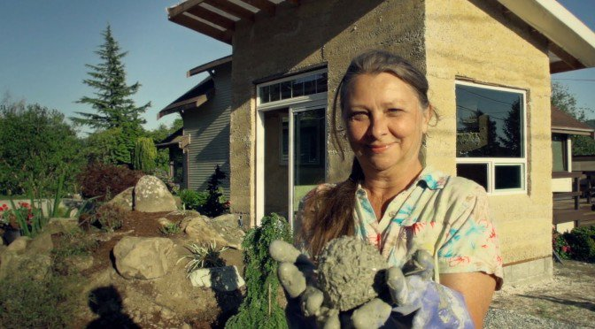 This Pioneering Grandma is Building These Tiny Sustainable Homes Out of Hemp