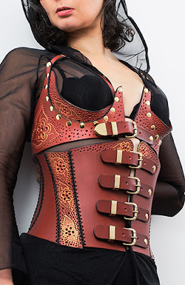 latex cuero leather corset