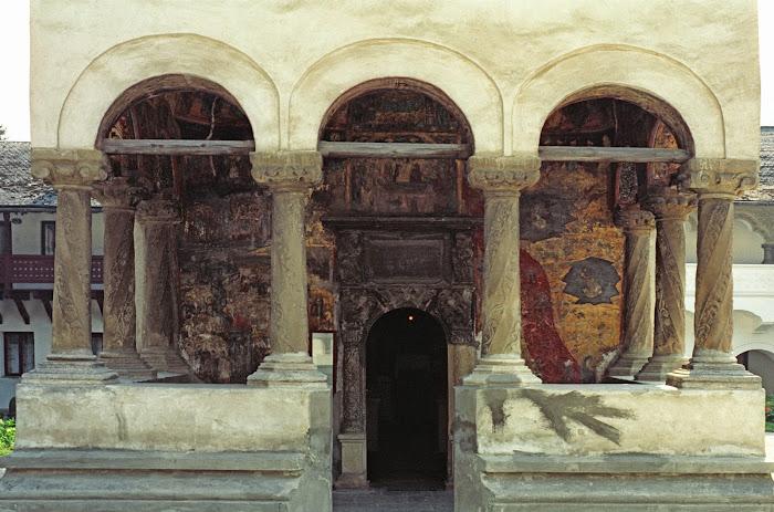 Sinaia, monastère Sainte-Catherine, © L. Gigout, 1990