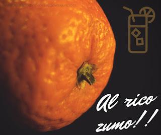 """Fotografía de naranja con texto """"al rico zumo"""""""
