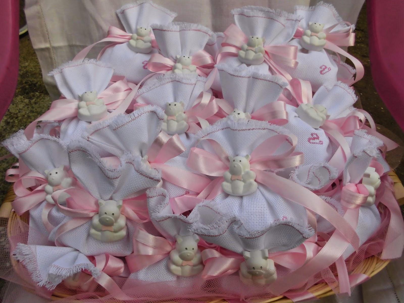 Bomboniere ricamate di sara bomboniere battesimo di for Vasi per confettata on line