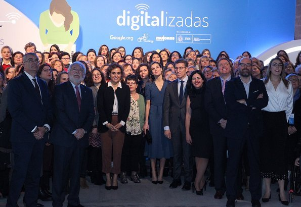 Letizia wore Parada shoes. Spanish Queen chaired presentation of Digitalizadas (Digitalization) project at Parador de Compostela Hotel