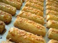 Resep Kue Kastengel Keju Lembut, Sederhana dan Praktis