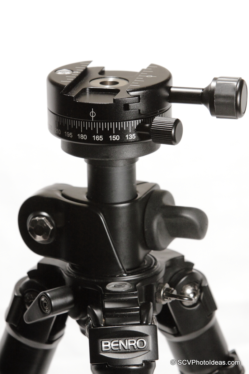 Benro PC-1 on Benro A-298EX tripod top plate