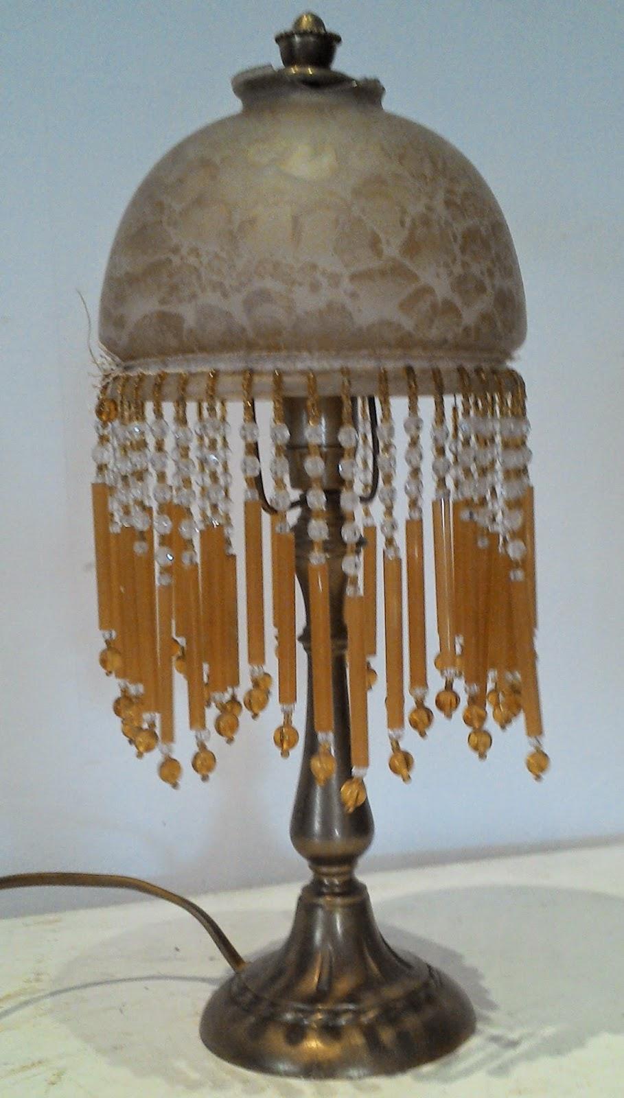lampe champignon epoque art nouveau descente de perles globe pate de verre. Black Bedroom Furniture Sets. Home Design Ideas