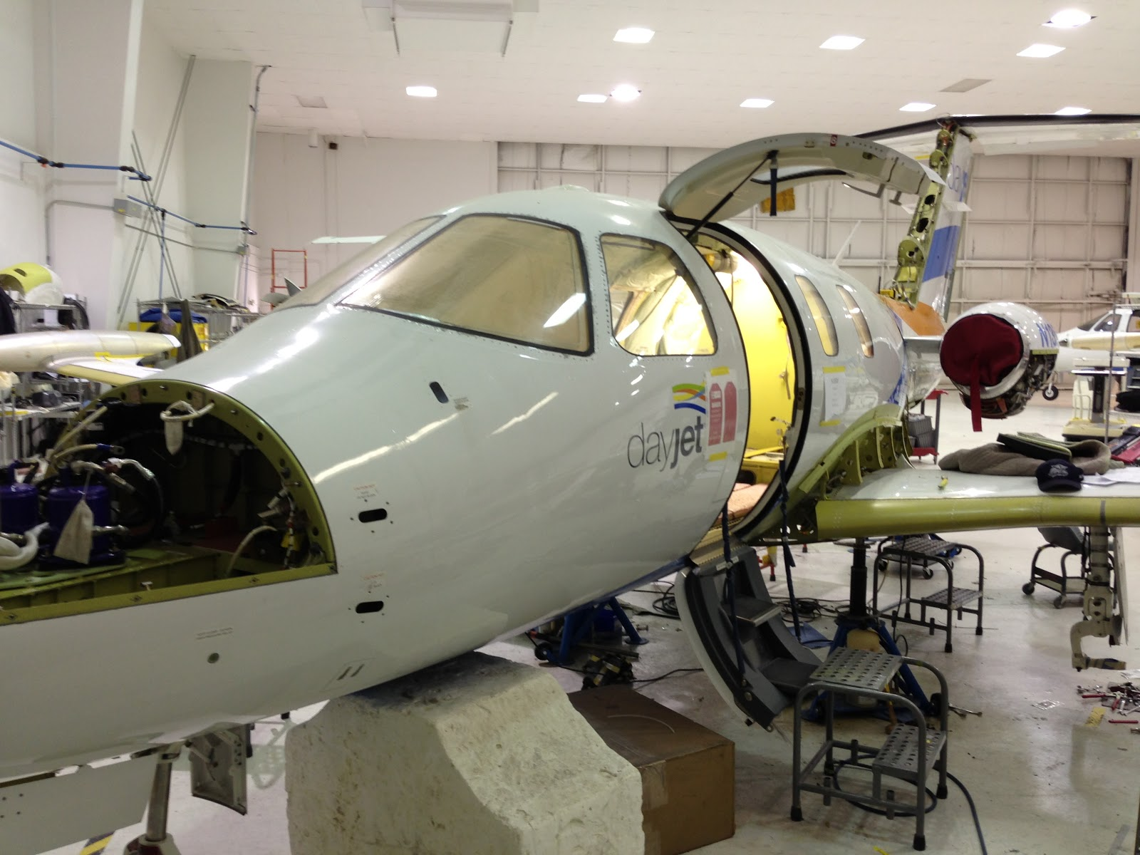 Eclipse 500 Day-Jet transformation    into TOTAL ECLIPSE