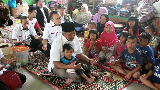 Ahmad Syaikhu Ajak Anak-anak Pengungsi Desa Pinara untuk Muroja'ah