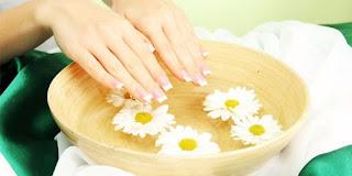 Bahaya Akibat Perawatan Manicure Dan pedicure Yang Mengintai Kaum Hawa