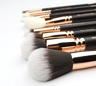 Zoeva Rose Golden Brush Set makeup brush