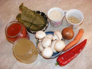 retete cu frunze de vita ciuperci orez soia ardei ceapa morcovi bors si suc de rosii,