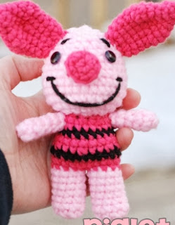 http://translate.google.es/translate?hl=es&sl=en&tl=es&u=http%3A%2F%2Fohanacraft.tumblr.com%2Fpost%2F49598319589%2Fmini-piglet-crochet-pattern