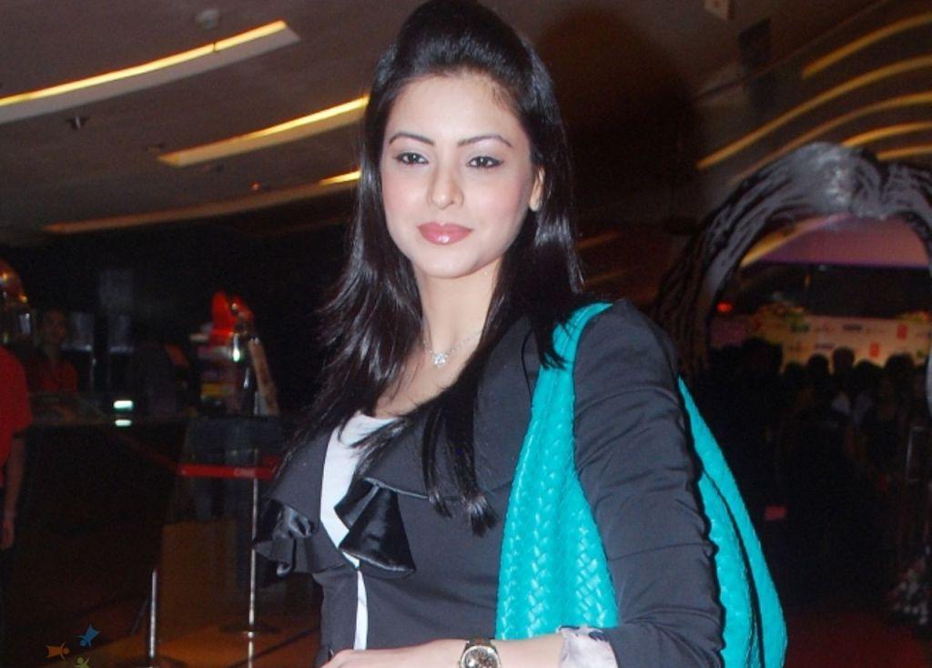 Aamna Sharif Biography Wiki Dob Age Height Weight Husband