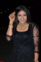 Sakshi Agarwal looks stunning in all black gown at 64th Jio Filmfare Awards South ~  Exclusive 045.JPG