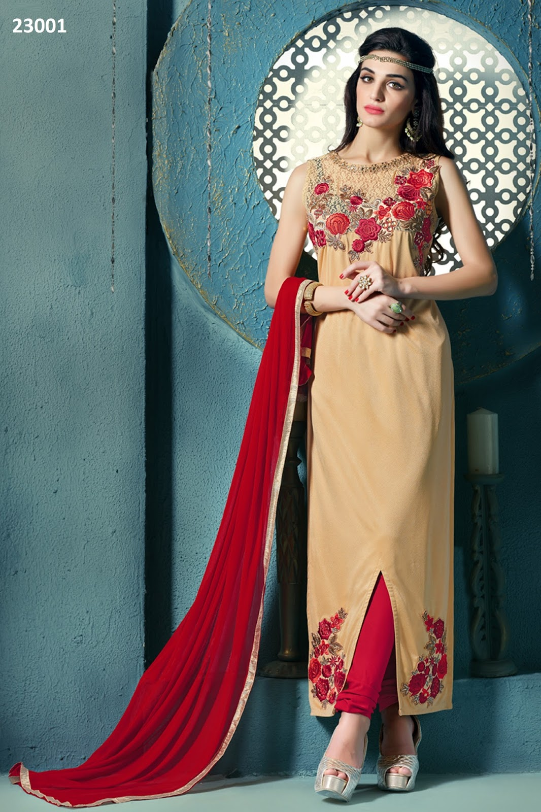 Monalisa – Unique Stylish Fashionable Embroidery Salwar Kameez