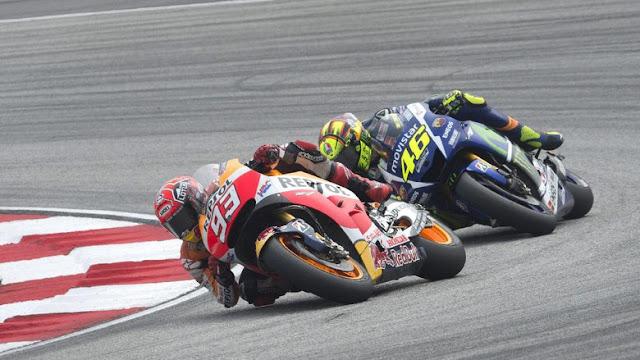 berita motogp Mengenang insiden Rossi-Marquez di Sepang 2015, Bos Yamaha : yang salah Rossi