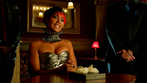Fish Mooney en Gotham 1x08 - The Mask