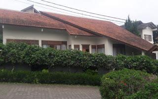 villa keluarga besar di lembang bandung
