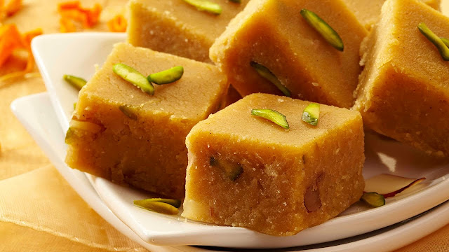 http://www.indianlazizkhana.com/2016/06/besan-ki-barfi-recipe-in-hindi.html
