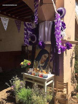 Altar de Dolores en Semana Santa en el Palacio de Huitzimengari