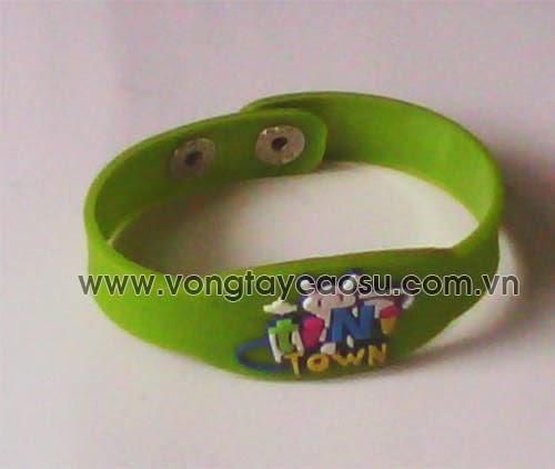 Vòng tay cao su trẻ em thiết kế cúc bấm
