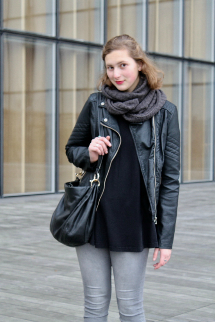 All black Parisian look, black leather jacket and Vans