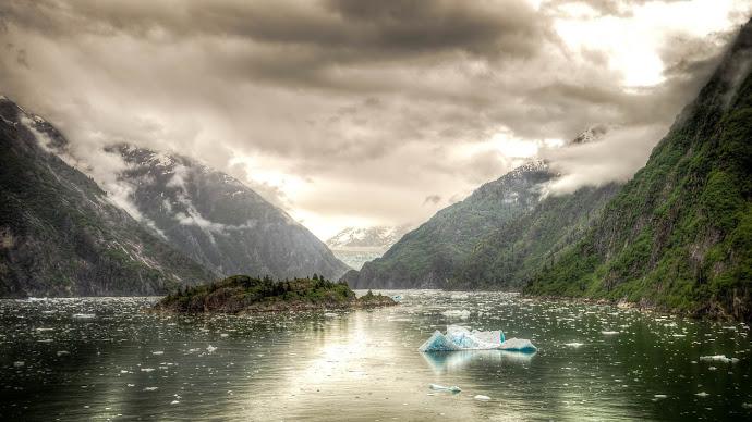 Wallpaper: Tracy Arm fjord from Alaska