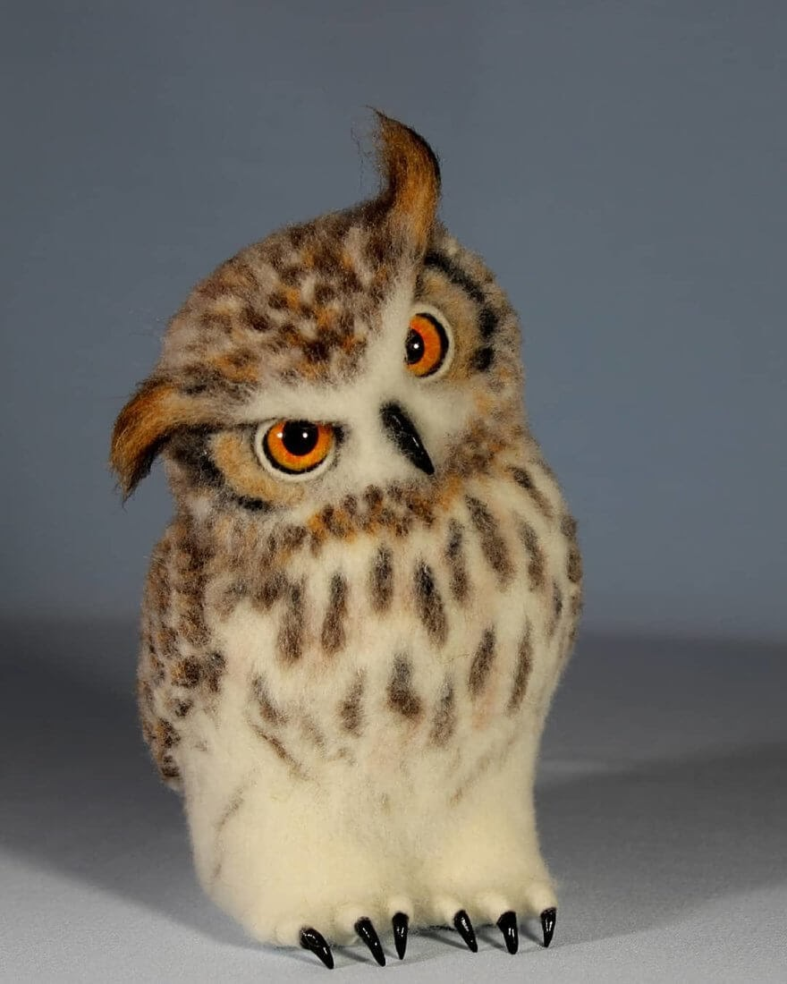 02-Curious-Owl-A-Yastrezhembovskaya-Felting-Wool-Animal-www-designstack-co
