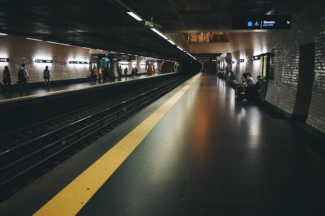 バイシャ=シアード駅(Baixa-Chiado)