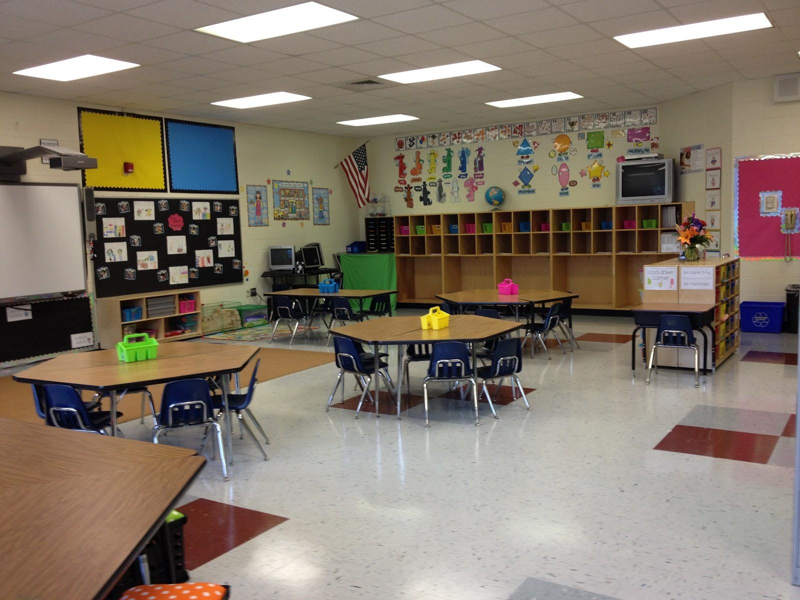 Little Miss Glamour Goes To Kindergarten Classroom Set Up