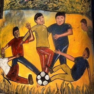 """El Pancismo es consecuencia de un antiquísimo  invento de dominación romano conocido como  Pan y Circo, un sistema de control de masas que  consiste en """"llenarle la panza a los Pancistas  mientras los entretienes con juegos deportivos  para que se queden tranquilos y no molesten."""""""