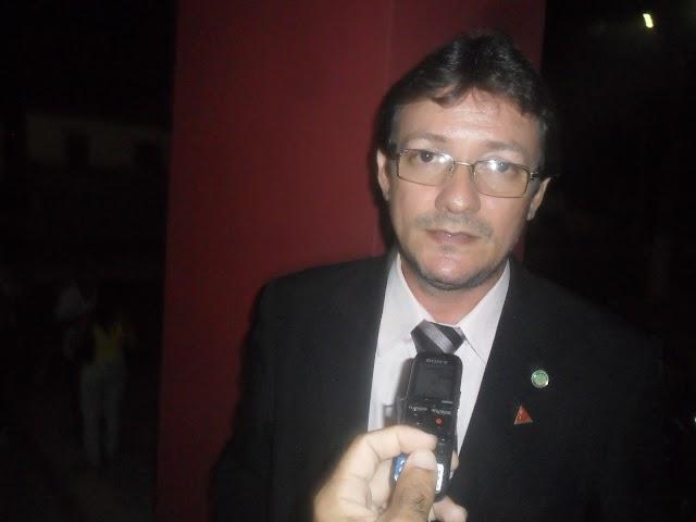 Fernando Moura questiona alto investimento em nova delegacia e cobra aumento do contingente e mais estrutura para policiais em Elesbão Veloso.